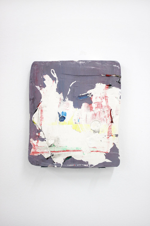 Sostenerse entre dos pasos, 2017. Acrylic and plaster. 30 x 26 cm.