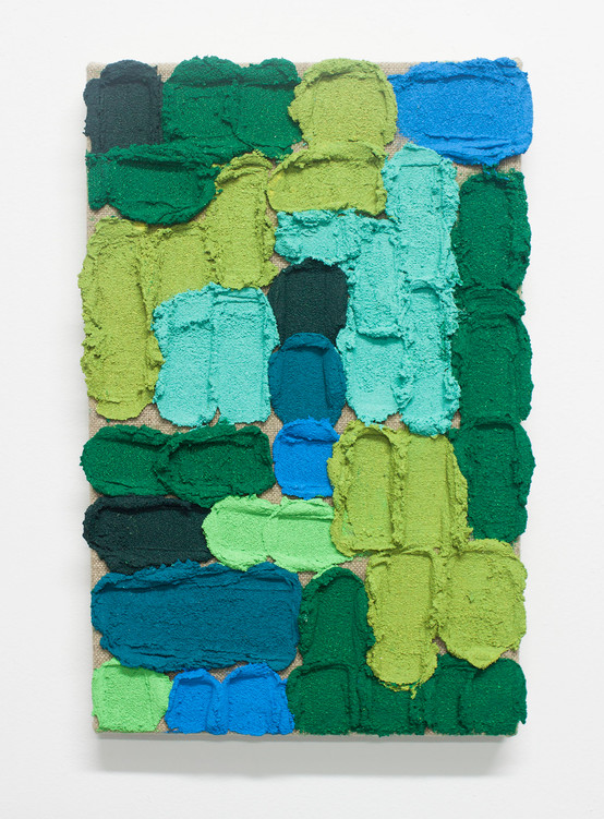 Pintura O09, 2019. Acrylic, sand and limestone on linen. 38 x 24 cm.