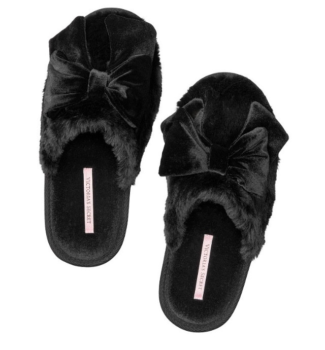 Victoria sleep black velvet slippers