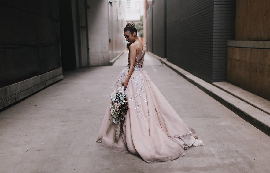 Melbourne bride city lane - the most amazing wedding gown!