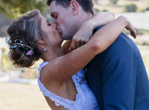 Famous 'train proposal' couple get hitched! Melbourne Celebrant shares all the beautiful photos...