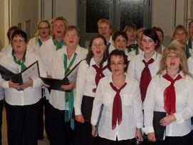 Chorkonzert ist kein Geheimtipp mehr. Alandspatzen und der Frauenchor Joseph Haydn. 15.12.2014. Foto: Walter Schaffer