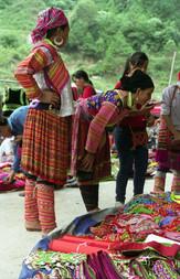 Hmong women at market