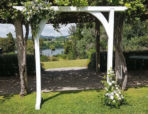 Another stunning spot to set up our arch