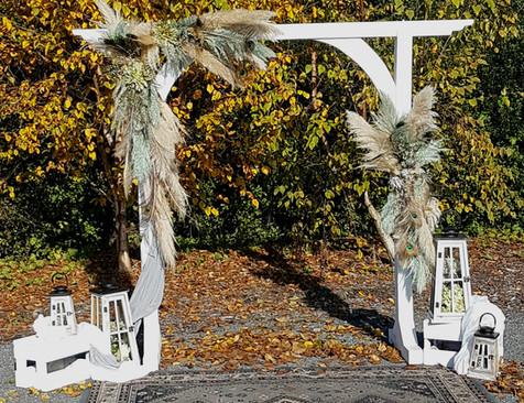 Single White Arch