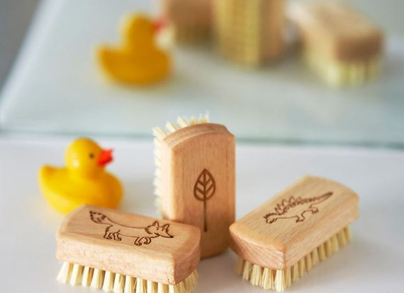 Small rubber duck with 3 eco friendly children's nail brushes
