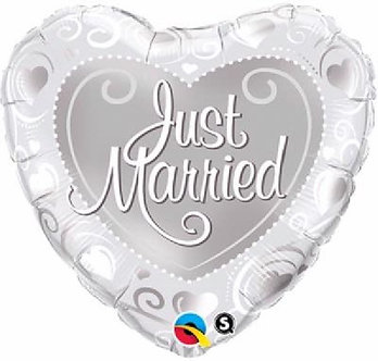 JUST MARRIED HEARTS SILVER 18IN FOIL