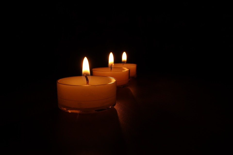 candles-488567_960_720