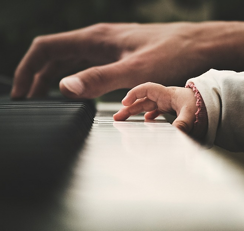 Piano lessons for children.png