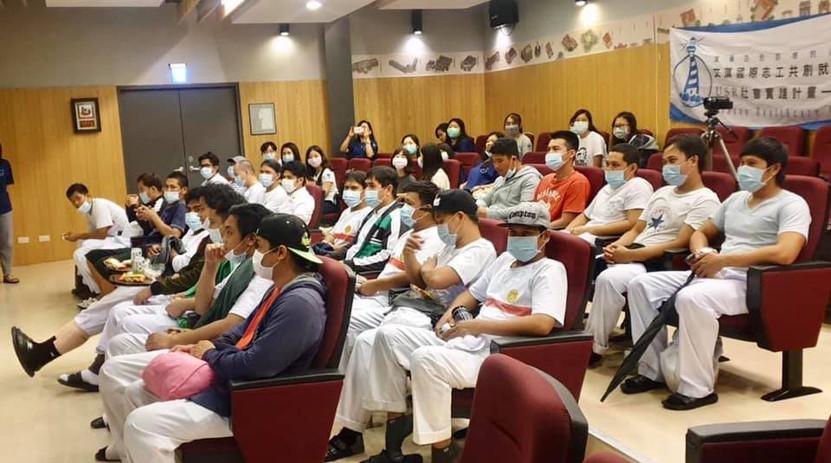 黑橋牌公司的菲律賓籍移工全體出席參與英語衛教防疫宣導活動