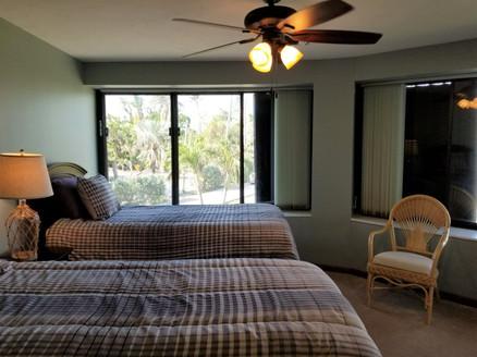 Bedroom #3 (2 Twin Beds)