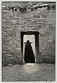 Trancendence Chaco door Anasazi ruin