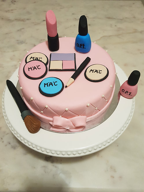 COSMETIC THEMED CAKE