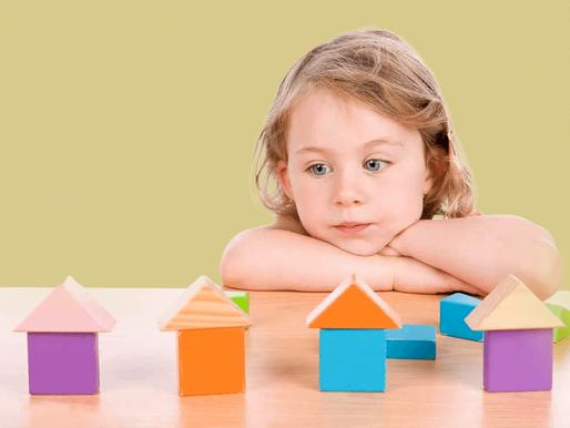 أعراض التوحد عند الأطفال وطرق التعامل معها
