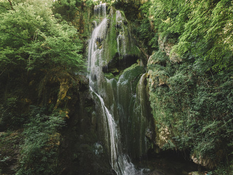 Une cascade exotique dans le Lot !