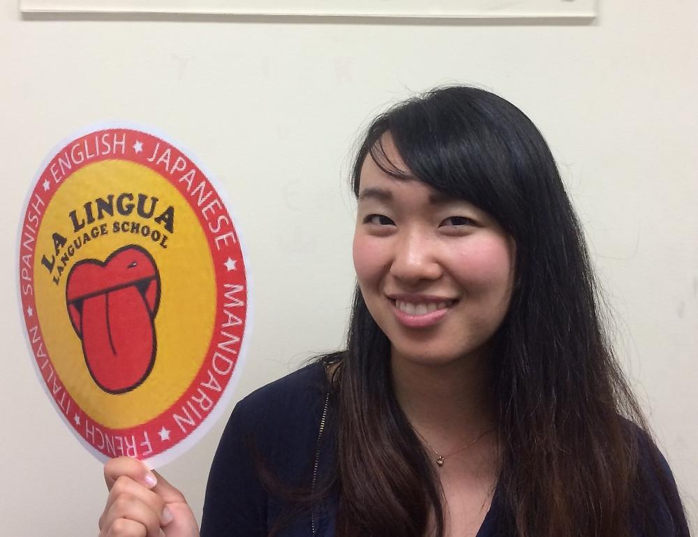 logoを持つ卒業生 Akane
