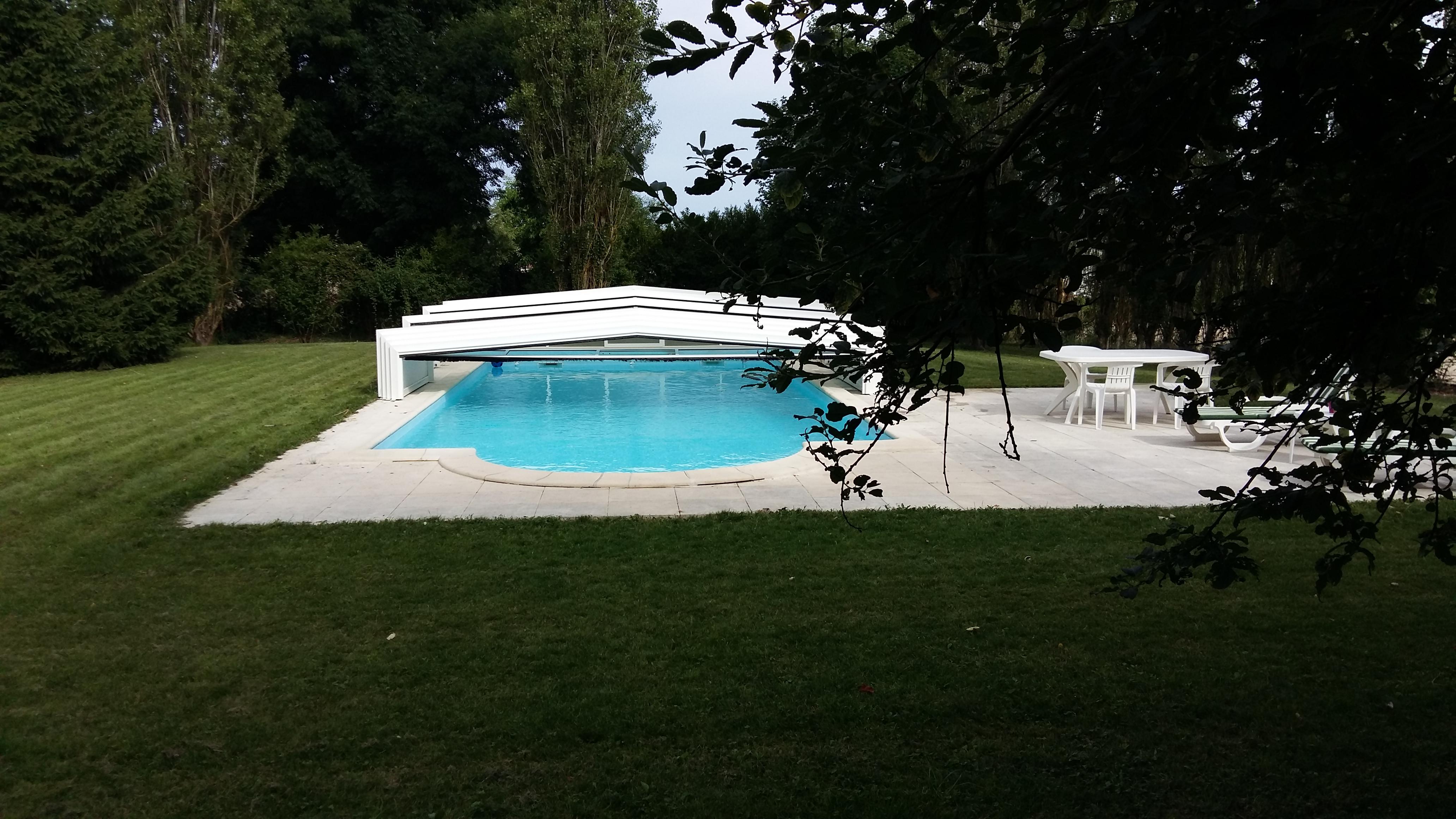 lafermeduboisdieu-bourgogne-avallon-chambred'hôtes-piscine