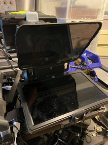 簡易テレプロンプターを導入