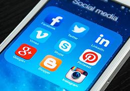 Mobile-Social-Media-Axis-Web-Agency.jpg