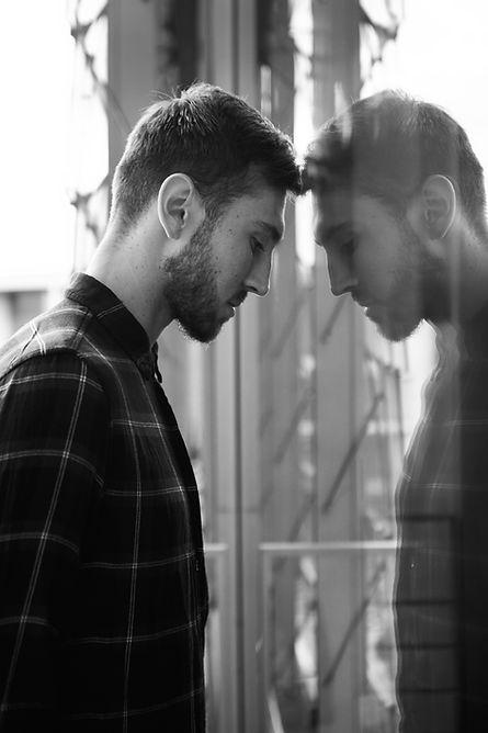 Mirror effect with Jakub Jakoubek during a photoshoot by Tatyana Kizeeva