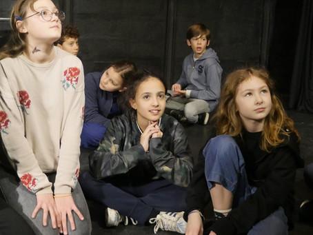 Petite rétrospective sur le cours de Théâtre de la section des 10/12 ans durant les Portes ouvertes