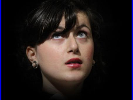 Moi Sarah 14 ans, je vous ouvre mon école de Théâtre! 1***