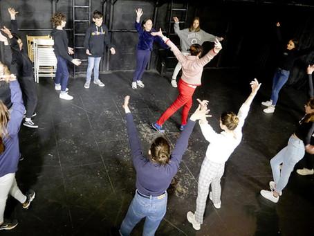 Portes Ouvertes section Théâtre 12-14 ans Classe de Marie Burvingt ... C'est comme si vous y éti