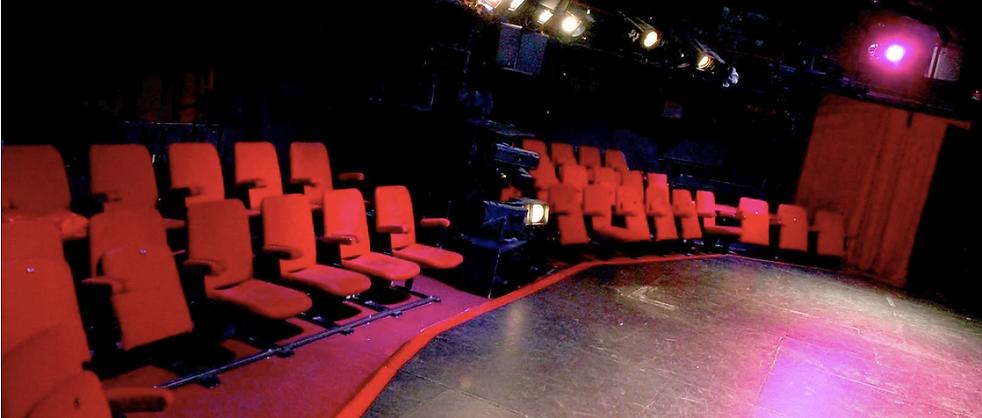 Ecole Paris Marais : cours de théâtre adulte avancé : JE joue sur la scène du Théâtre Espace Marais