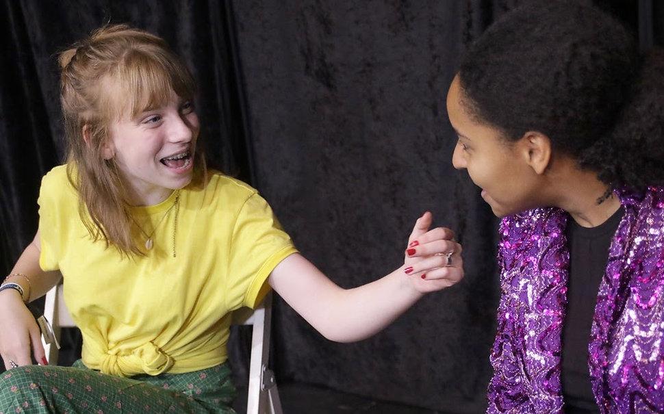 cours de théâtre ado 15-18 : je joue des scénes de tous styles...