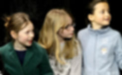 Ecole Paris Marais au Théâtre Espace Marais-Cours Théâtre enfant 8-10 ans : je sais me concentrer !