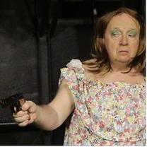 Ecole Paris Marais : cours de théâtre adulte avancé : Katia dans le père noël est une ordure