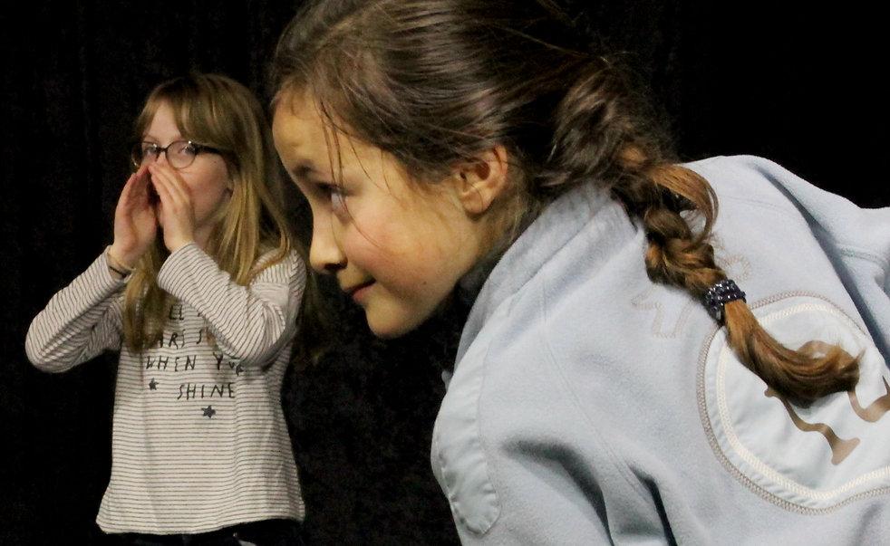 Ecole Paris Marais au Théâtre Espace Marais-Cours Théâtre enfant 8-10 ans : ma créativité déborde