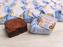3 brownie com acabamento trouxinha de tecido (1)_edited.jpg
