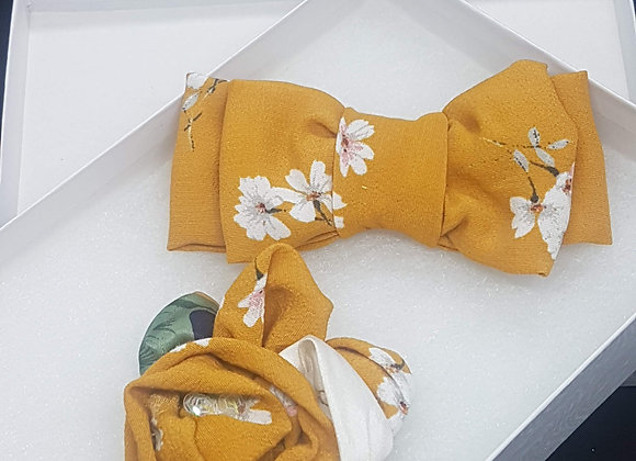 Daisy Gold  Bow & Buttonaire set