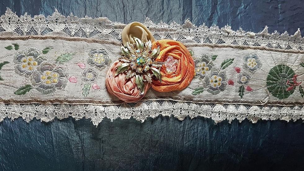 RU SHI - Antique chinese silk sash.