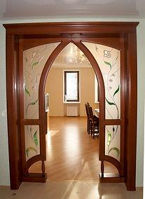 витражная арка