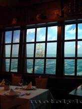 Фаль-окно в ресторане