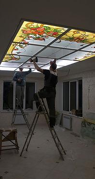 Установка витражного потолка