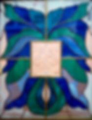 стеклянный барельеф в витраже тиффани