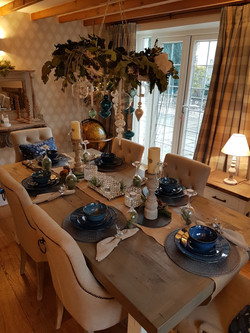 Designing and dressing a dining room