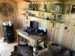 Shepherds hut & reading space