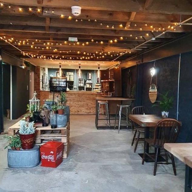 The Lounge, Llandeilo