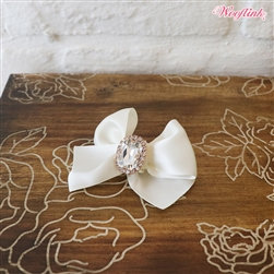 Olivia Dog Hair Bow White