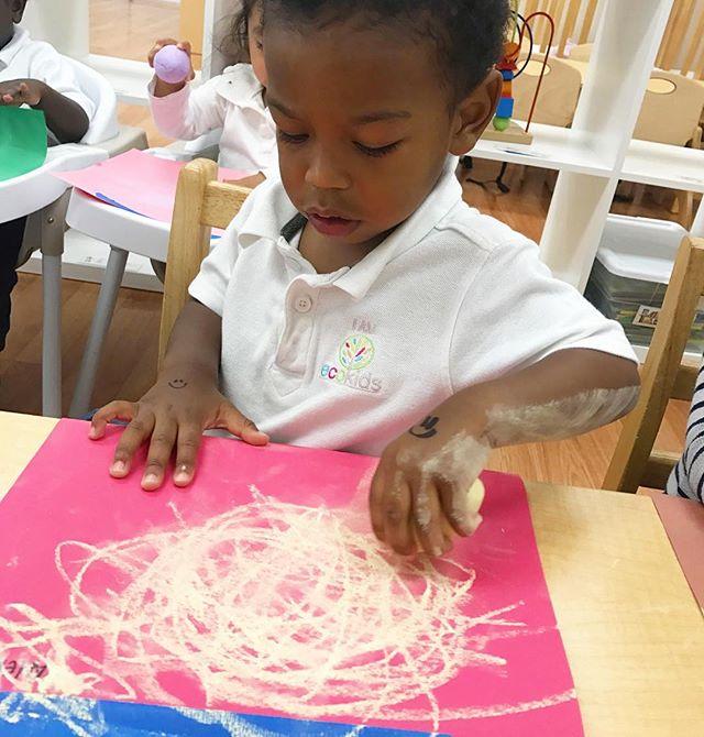 I AM EcoKids👫 ~ #sensoryplay #art #express #development #brain #healthychildren  #motorskills  #lea