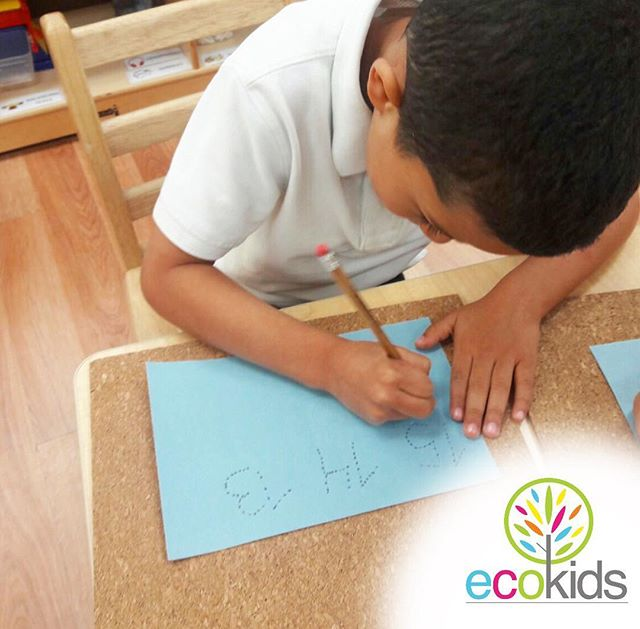 I AM EcoKids • _ecokidspreschools • (954)344.4220 • www.ecokidsbilingualpreschools