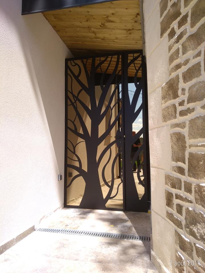 Porte vitre espion