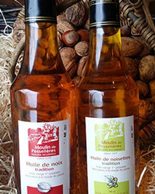 bouteilles-huile-noix-et-noisettes.jpg