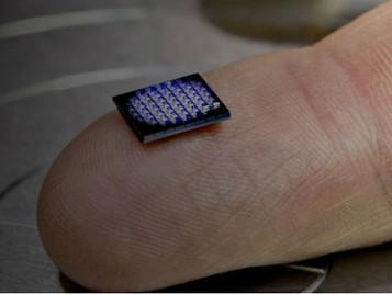 IBM crea el ordenador más pequeño del mundo: mide menos que un grano de sal