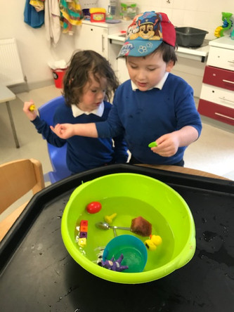 Early explorers love being scientists!