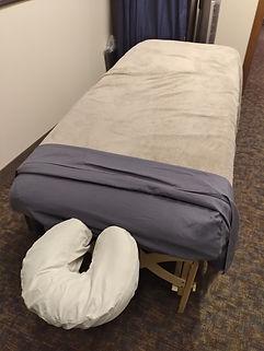 massage kim room.jpg